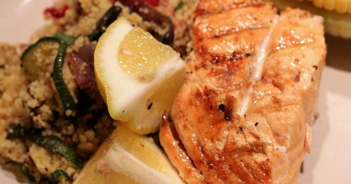 Saumon grill aux courgettes ar me citron recette par cuisine et nutrition enfant - Recette poisson grille au four ...