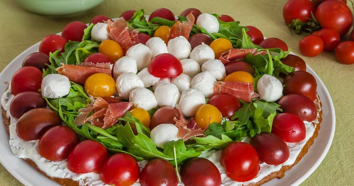 Tarte sal e aux tomates cerises mozzarella et roquette for Idee entree noel original