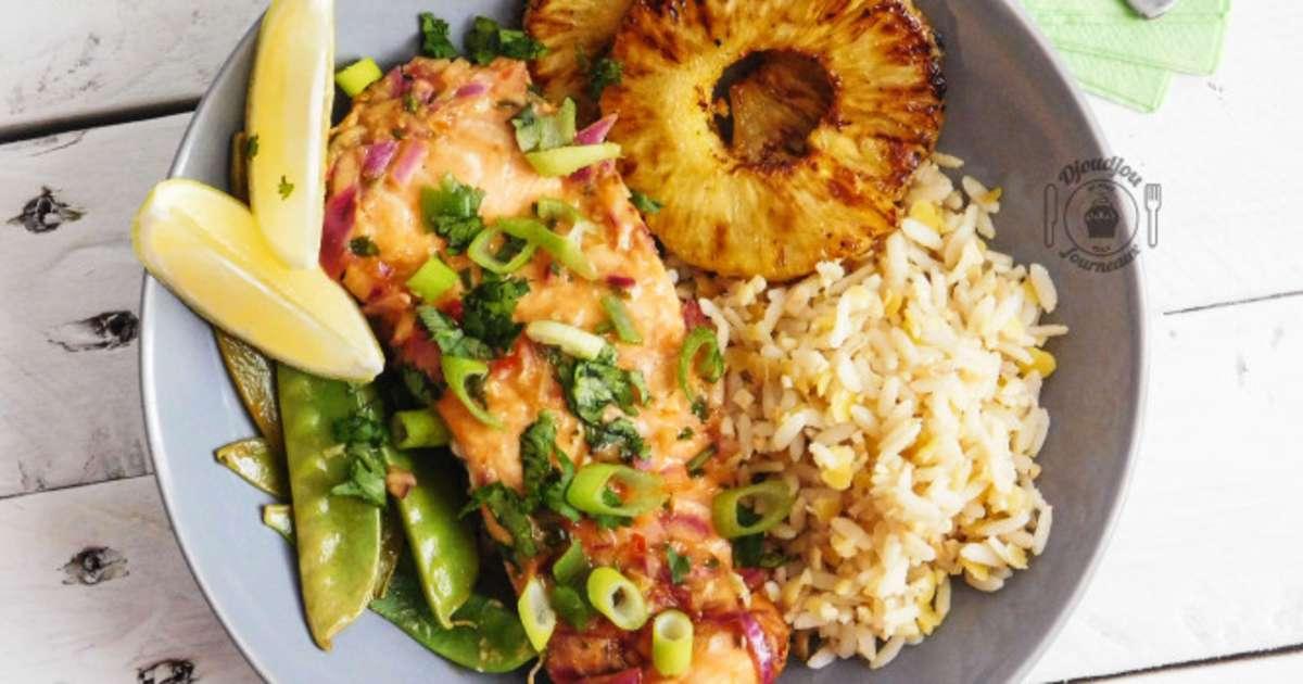 saumon en papillote aux saveurs tha ananas grill s et pois gourmands recette par djoudjou. Black Bedroom Furniture Sets. Home Design Ideas