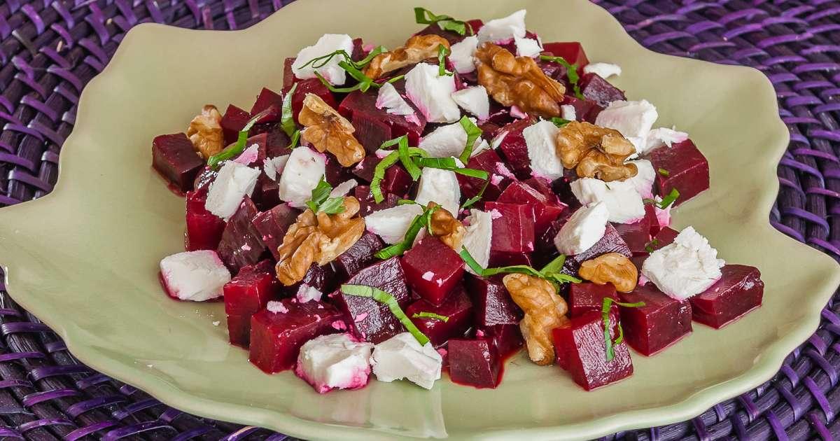 Salade de betteraves noix et f ta recette par kilometre 0 - Cuisiner les betteraves rouges ...