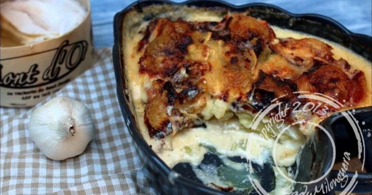 gratin de pommes de terre au vin blanc et au mont d or recette par ladymilonguera. Black Bedroom Furniture Sets. Home Design Ideas