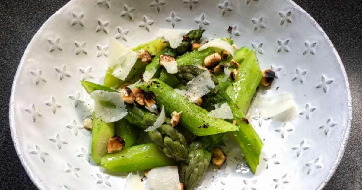 Asperges vertes et noisettes grill es recette par lutsubo - Cuisiner les asperges vertes ...