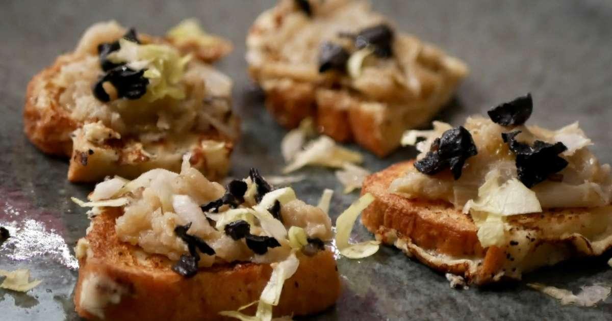 Petits pains perdus endives et trompettes recette par - Comment cuisiner les trompettes de la mort champignons ...