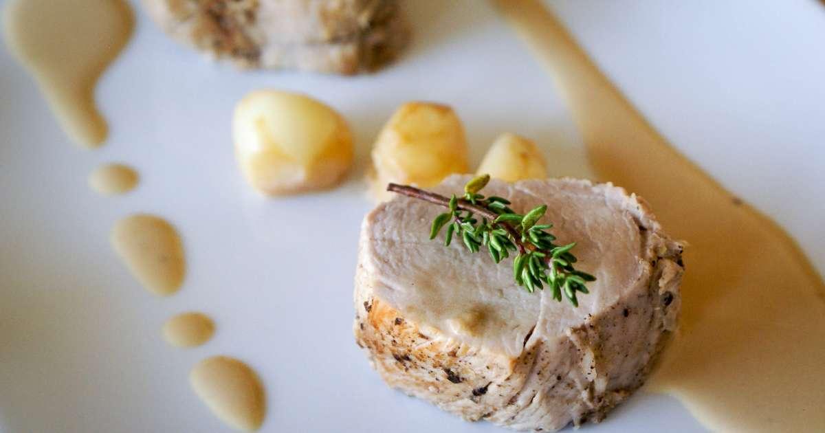Filet mignon aux gousses d 39 ail recette du filet mignon - Cuisiner filet mignon ...
