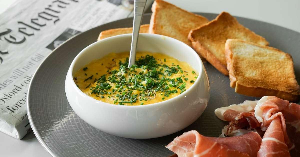 Oeufs brouill s comment faire des oeufs brouill s recette par chef simon - Cuisiner des oeufs ...