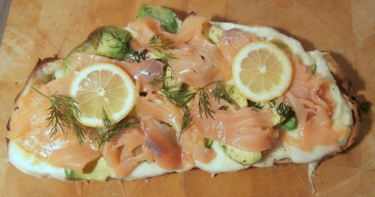 Bruschetta mozzarella avocat saumon fum et aneth - Saumon gravlax rapide ...