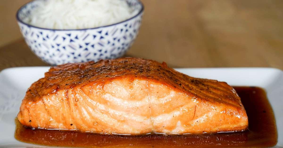 saumon laqu recette de saumon laqu au miel et sauce. Black Bedroom Furniture Sets. Home Design Ideas