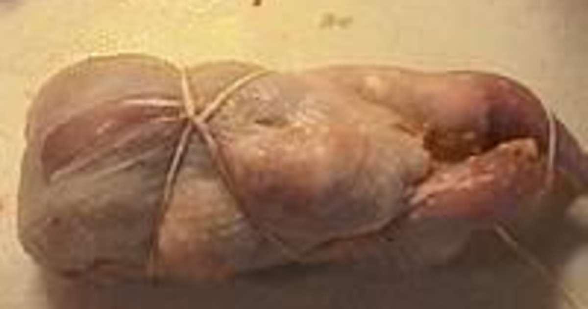 Desosser une caille pour farcir recette par chef simon - Comment cuisiner les cailles ...