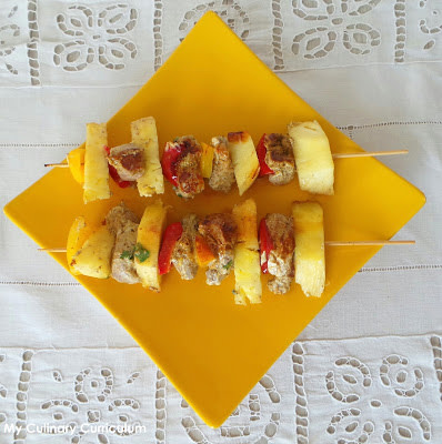 Brochettes de filet mignon de porc marinées au yaourt et épices massalé