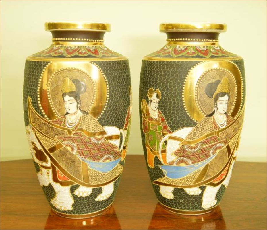 Mirrored Pair Of Large Japanese Vases C1910 Belle Vue Antiques