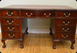 1920s mahogany kneehole desk