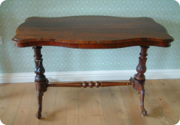 Victorian rosewood centre table