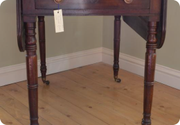 Georgian mahogany pembroke table.