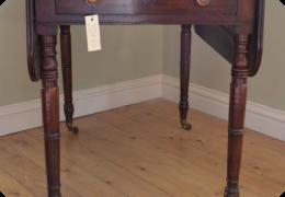 Georgian mahogany pembroke table.