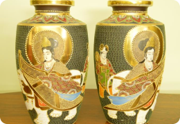 Mirrored pair of large Japanese vases, C1910
