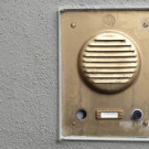 Die Klingelanlage mit Türöffner kaufen und installieren