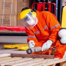 Schutz vor Wind und Wetter – Arbeitskleidung für Schlosser