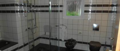 Holger Michaelis Haustechnik und Sachverständigenagentur 44379 Dortmund Altersgerechte Badsanierung- Duschbereich ebenerdig
