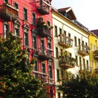 Kunststoffpaneele: Günstig zur natürlich wirkenden Fassade