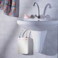 Durchlauferhitzer: Effizienter Warmwasserbereiter für Küche und Bad!