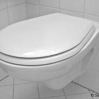 Hänge-WC undicht? Wo die Ursachen liegen und wie sich Mängel schnell beheben lassen!