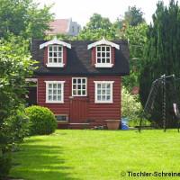 Spielhaus aus Holz für Kinder