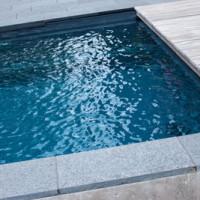 Poolpflege – Für gesundheitlich unbedenkliches Wasser im Schimmbecken essenziell!