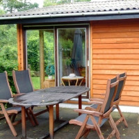 Gartenmöbel aus Holz richtig pflegen