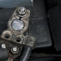 Autobatterie leer? So geben & empfangen Sie richtig Starthilfe!