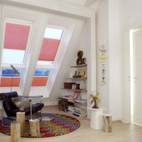 VELUX-Dachfenster bringen eine behagliche Atmosphäre in den ausgebauten Dachboden