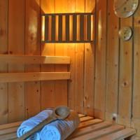 Versteckt und idyllisch: Gartenhaus mit Sauna