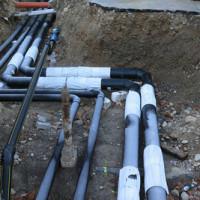 Kleine Fehler – großes Ungemach: Abwasserleitung verlegen ist kein Kinderspiel