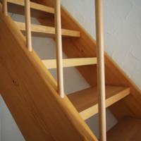 Geld sparen und das Haus aktiv mitgestalten: Die Holztreppe selber bauen