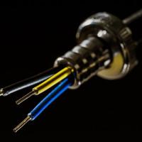 Stromleitung angebohrt – was jetzt?