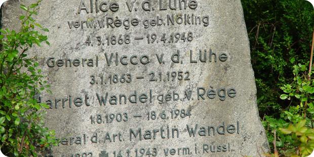 Dauergrabpflege: Vertragsleistung vom Friedhofsgärtner