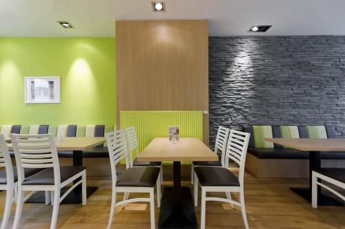 Wand Dekorplatten Stein : Mit Betonsteinriemchen als Wandverkleidung können Sie Räume schnell