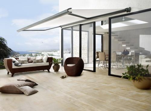 natursteinplatten die preise sind von gesteinsart und bearbeitung abh ngig. Black Bedroom Furniture Sets. Home Design Ideas