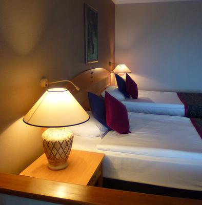 mit wandtapeten das richtige wohlf hlambiente erzeugen. Black Bedroom Furniture Sets. Home Design Ideas