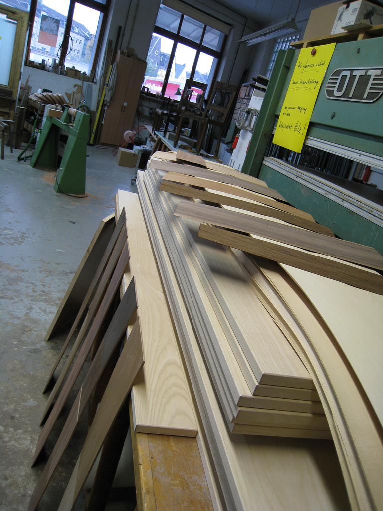 Holzmechaniker im Möbelbau und Innenausbau