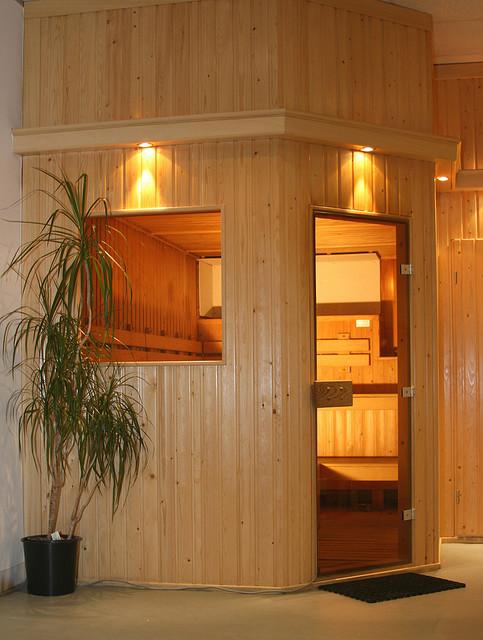 Sauna nach eigenen Wünschen vom Schreiner hergestellt.