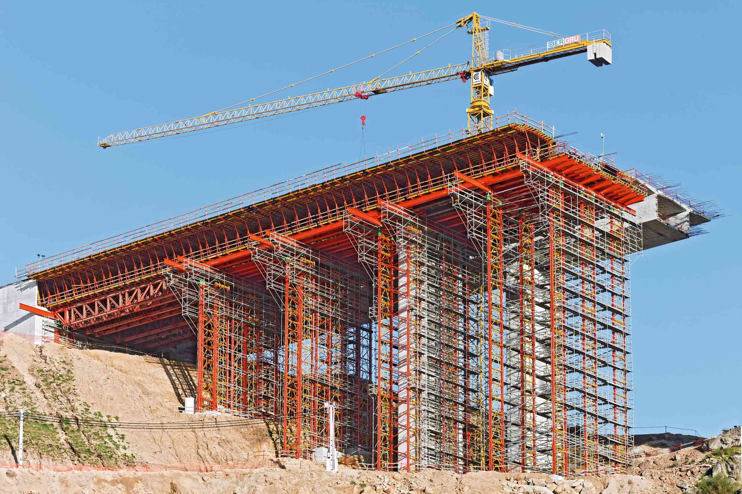Shuttering For Bridges : Peri gerüst in portugal geruestbau fachmagazin
