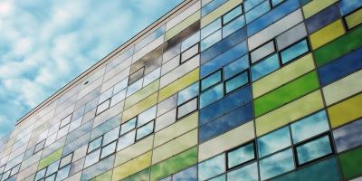 Auffällige und moderne Außenwandverkleidungen sorgen stetsfür einen Hingucker. © Niko Korte / pixelio.de