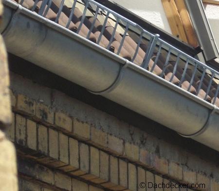 den richtigen dachrinnenhalter f r ihr dach finden. Black Bedroom Furniture Sets. Home Design Ideas