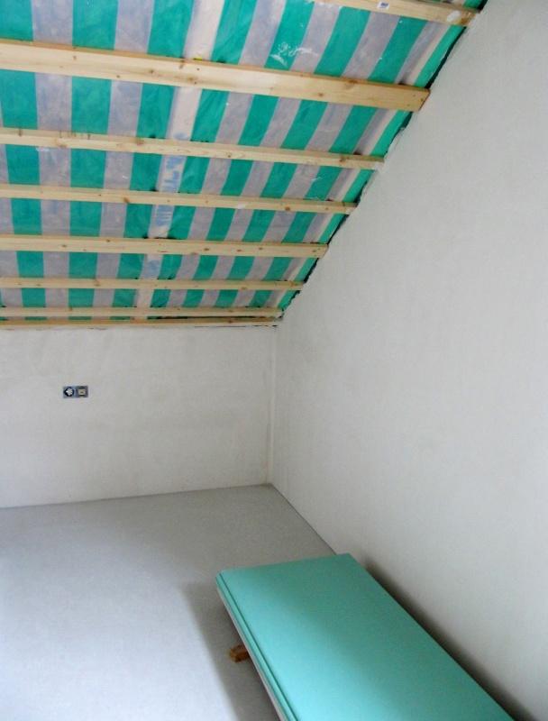 die untersparrend mmung mit dampfbremse versehen und f r. Black Bedroom Furniture Sets. Home Design Ideas