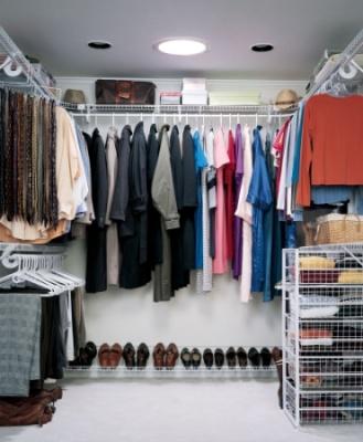 Ankleidezimmer dachgeschoss  Aktuell: Mehr Spaß an Mode dank Tageslicht-Spot im Ankleidezimmer