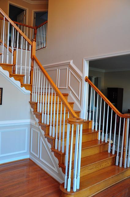 treppenverkleidung immer auch eine frage des lichts. Black Bedroom Furniture Sets. Home Design Ideas