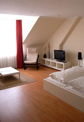 was der verbraucher beim laminat kaufen wissen muss. Black Bedroom Furniture Sets. Home Design Ideas