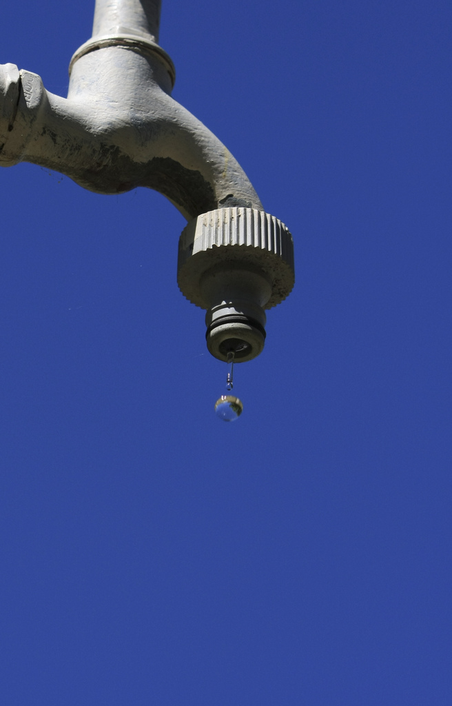 Hauswasserautomat pumpt Grundwasser zum Wasserhahn