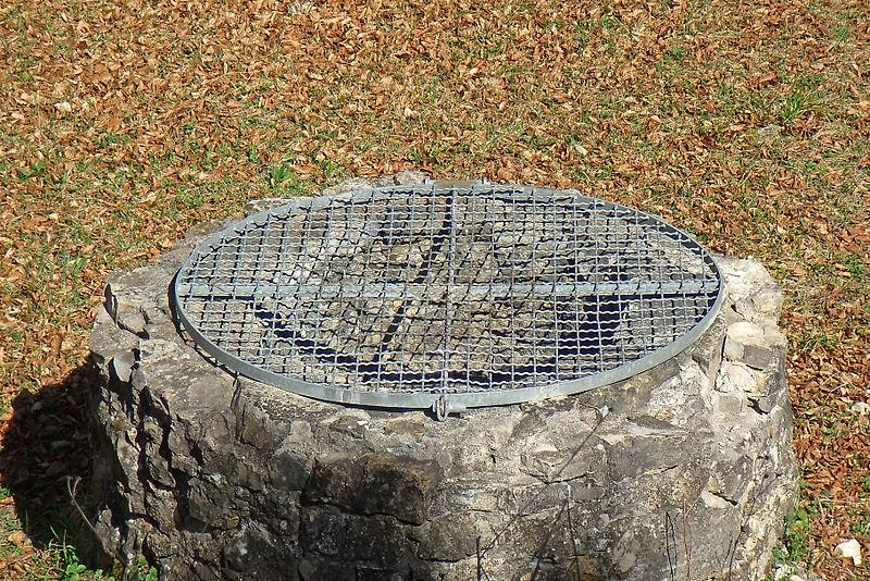 Tiefbrunnen eigenen sich besonders gut als Gartenbrunnen