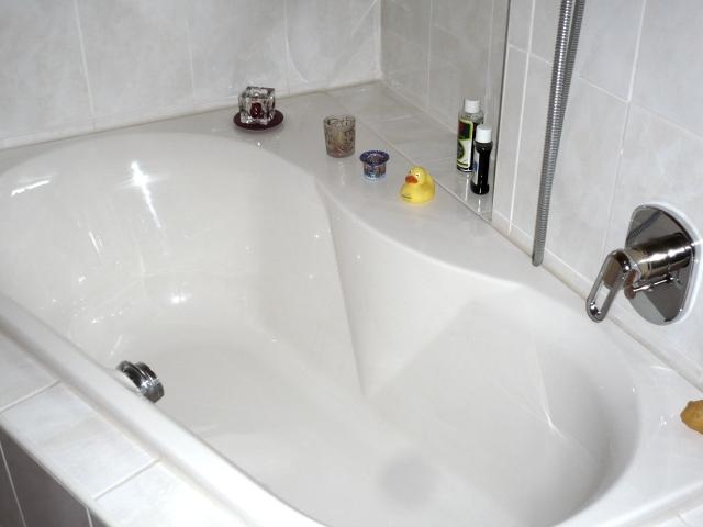 wann und wie sie eine alte badewanne austauschen k nnen. Black Bedroom Furniture Sets. Home Design Ideas